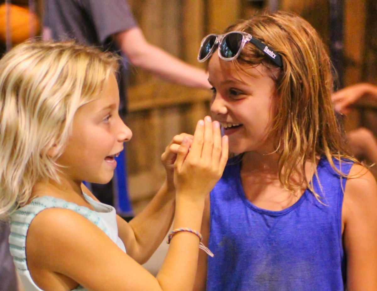 camp makes friends
