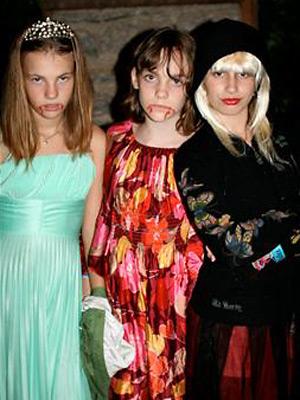 Summer camps halloween girls