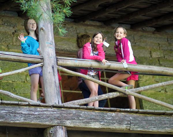 Summer Camp Lodge Porch Girls