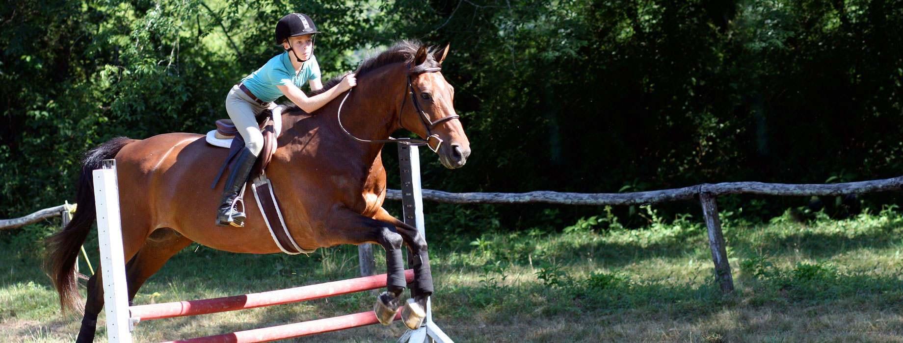 girls-horseback