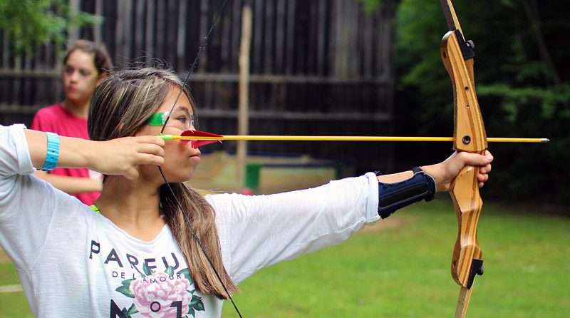 girls archery shooting camp