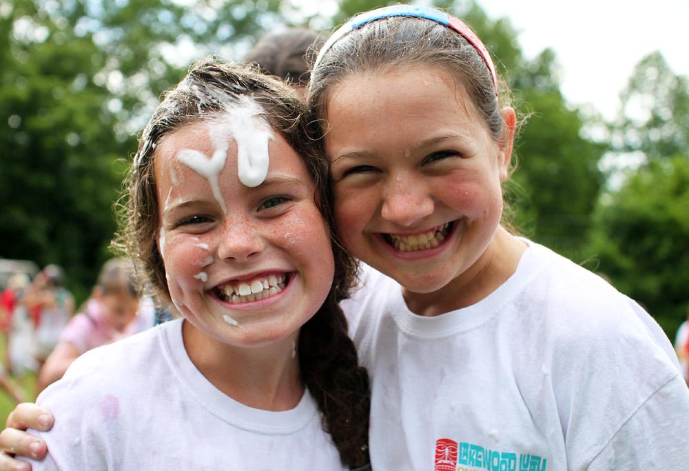 happy messy camp girls