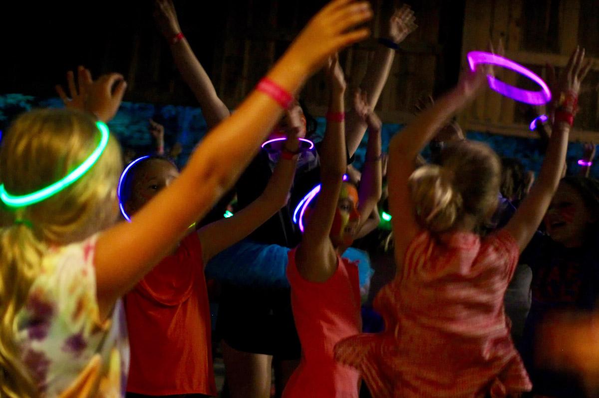 All girl glow stick dance