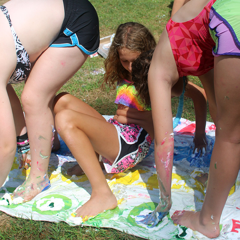 Messy twister game