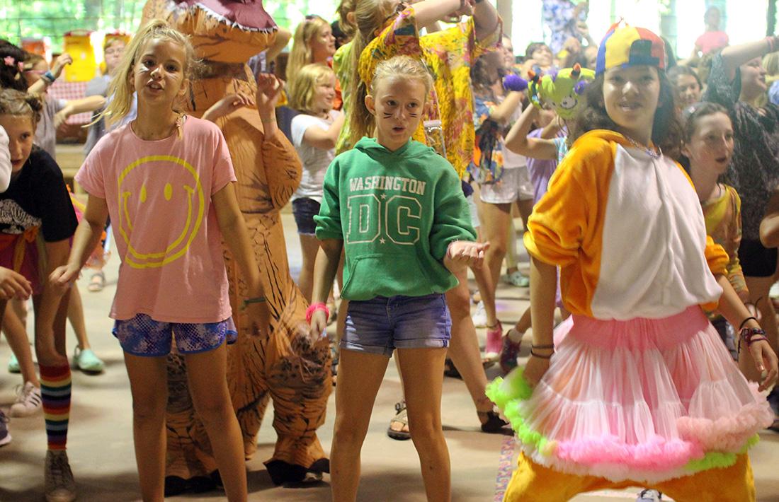 girl camp dance