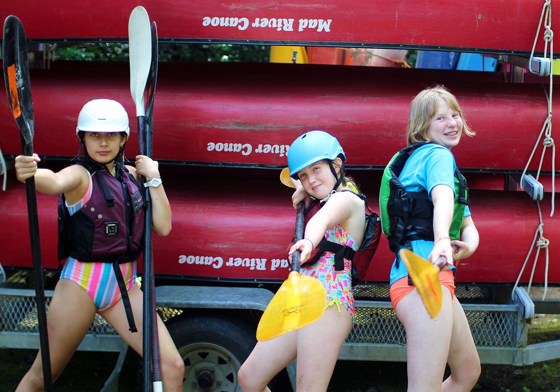 Tough kayak girls posing