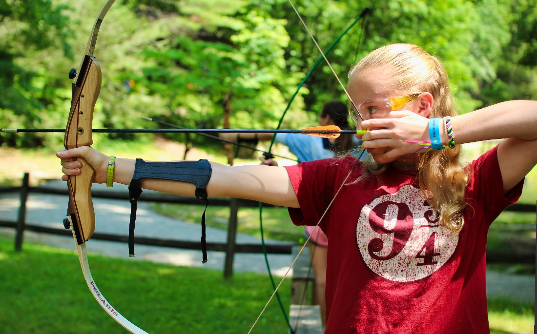 Archery pull girl