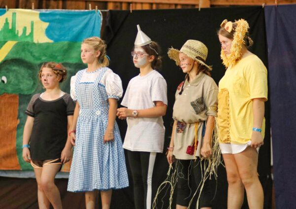 wizard of oz camp cast