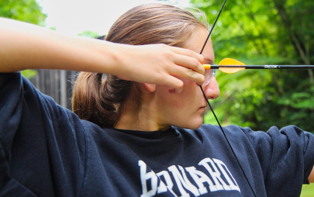archery girl pull