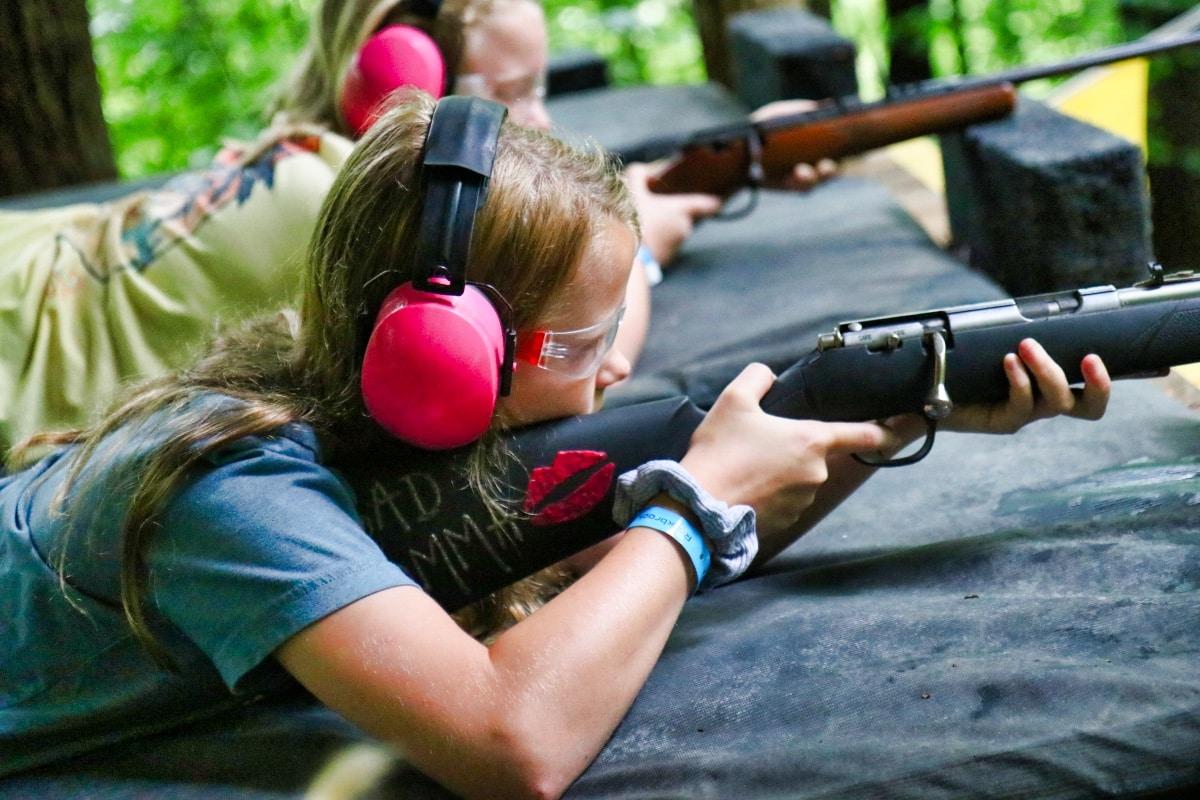 kid shooting rifle