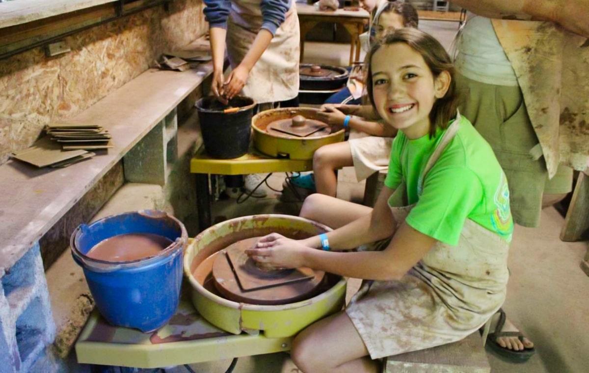 wheel pottery girl