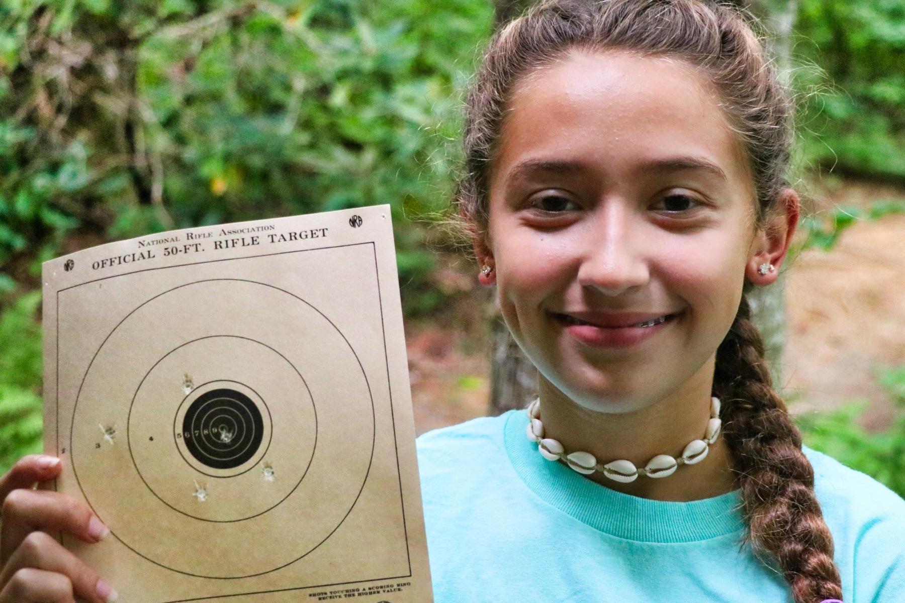 rifle target proud girl